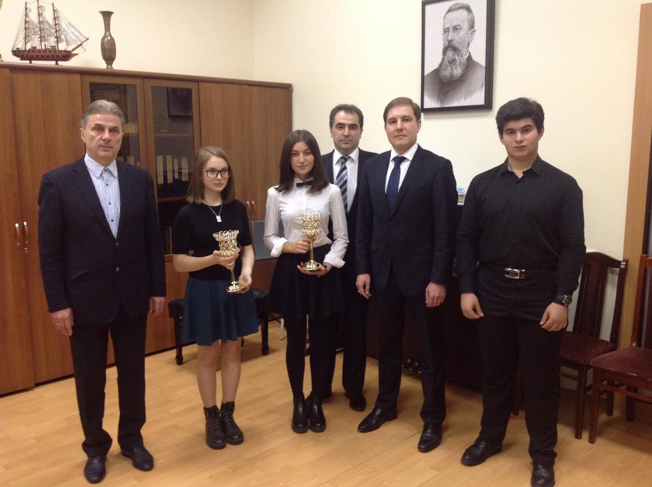 Меценат Игорь Бибилов назначил стипендию студентам из Южной Осетии