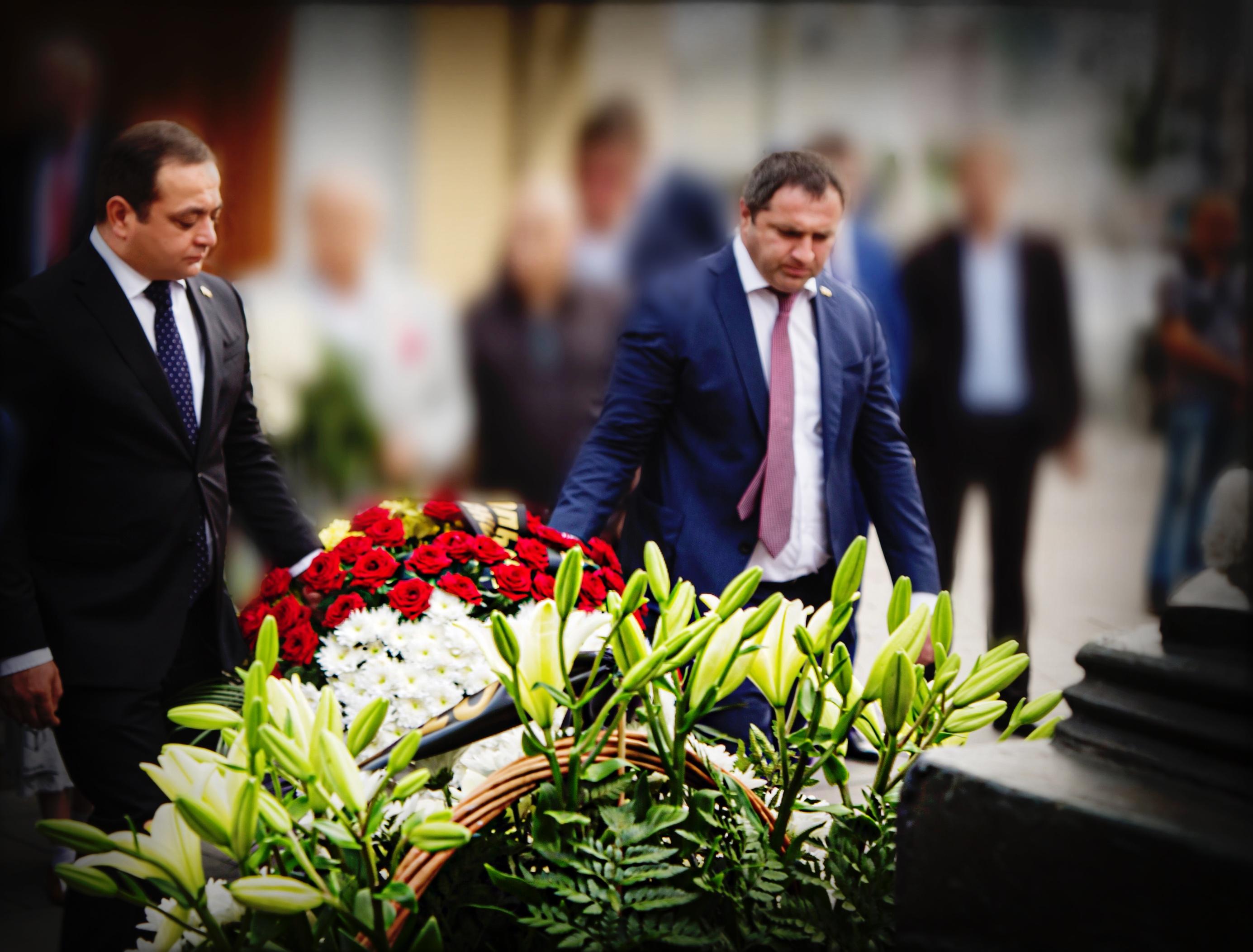 Посольство Южной Осетии почтило память жертв Бесланской трагедии