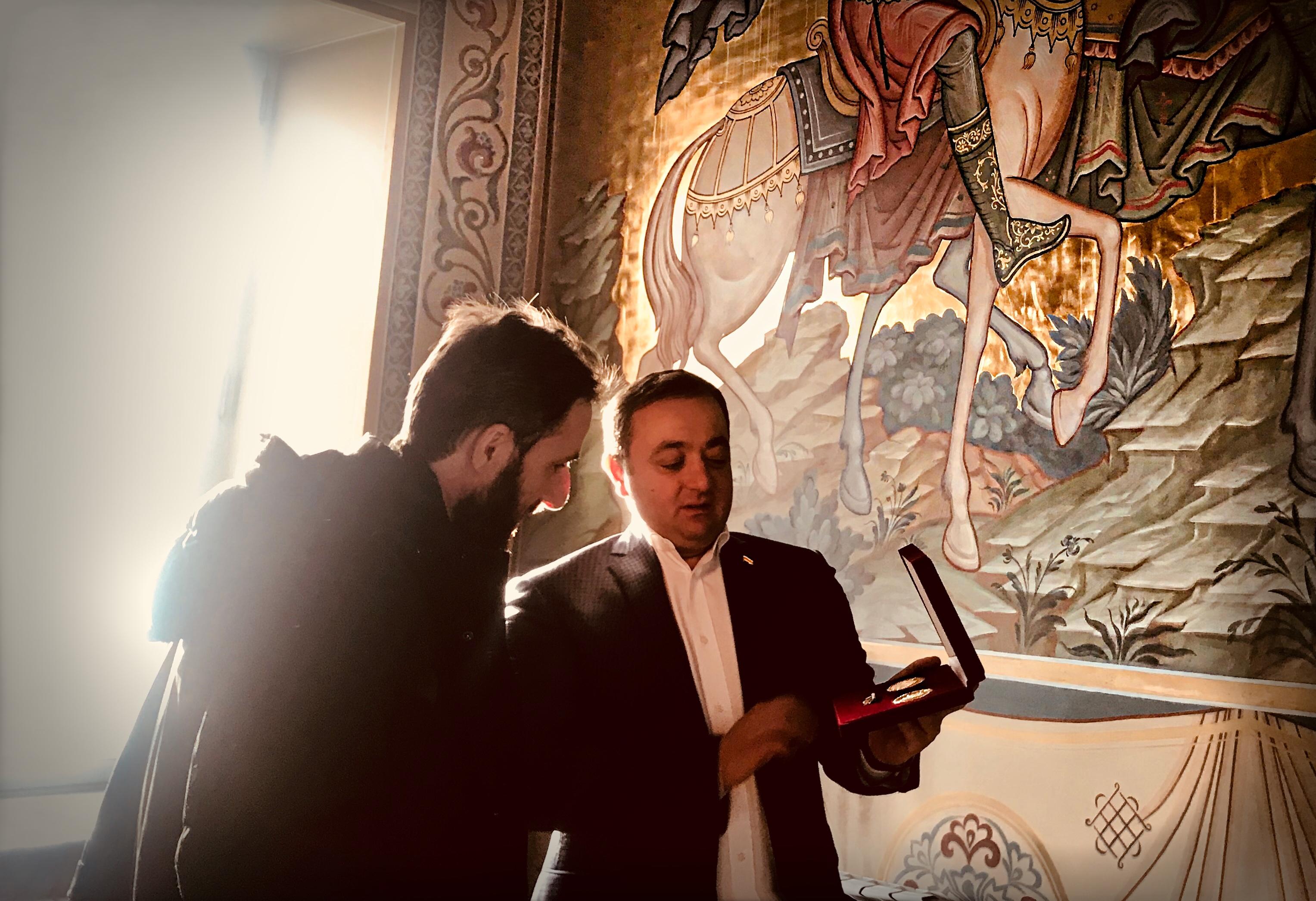 Знаур Гассиев встретился с Настоятелем храма Аланского подворья Отцом Вячеславом