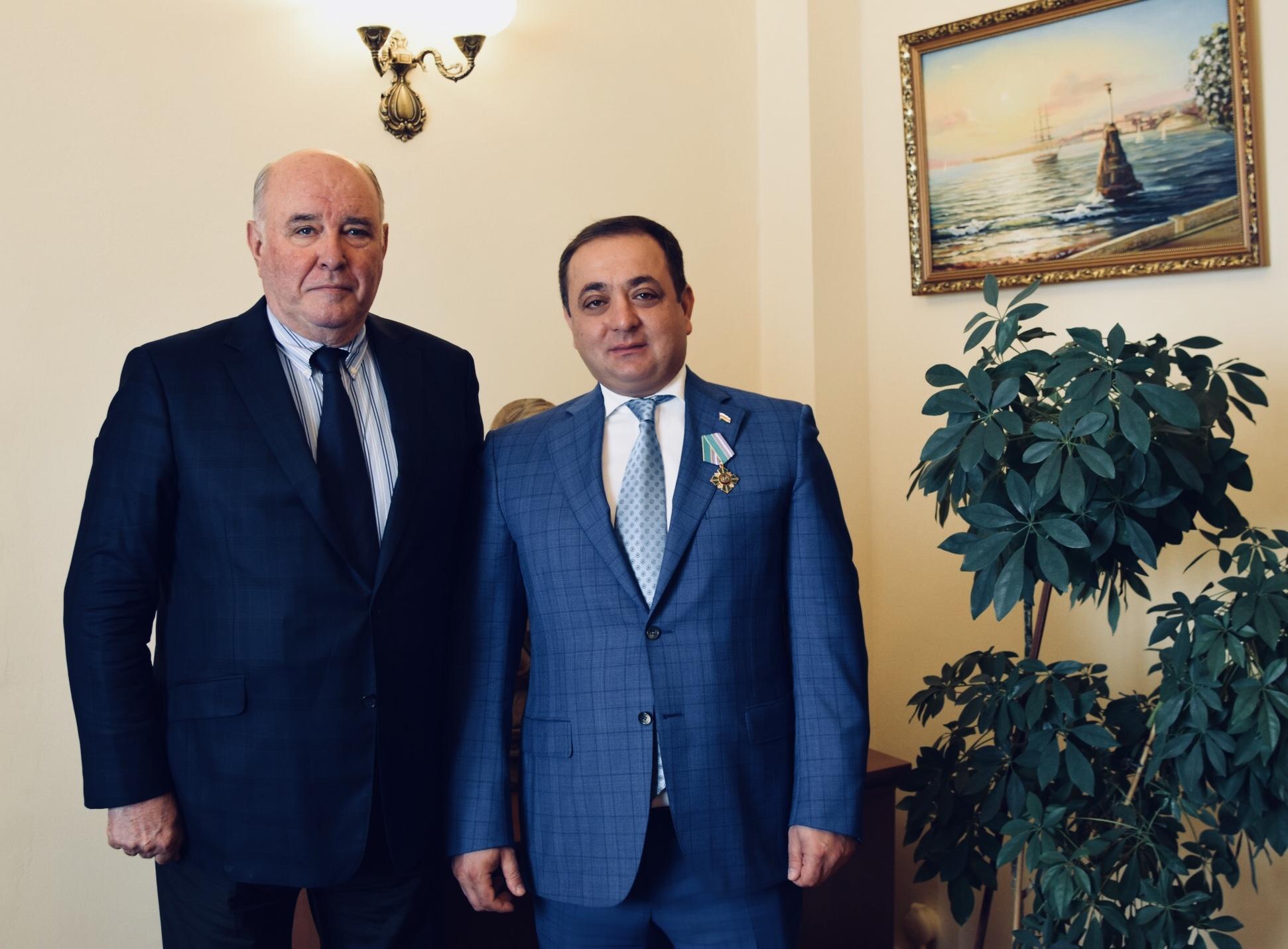 Сергей Лавров наградил Знаура Гассиева