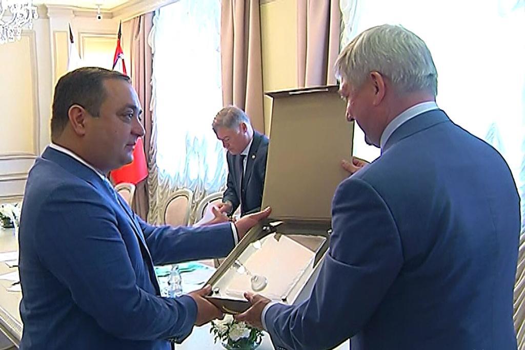Состоялась встреча Знаура Гассиева и Александра Гусева