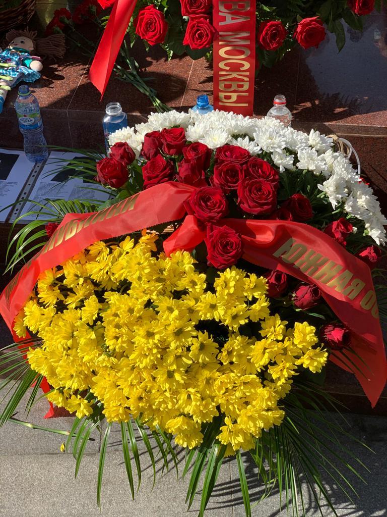 Югоосетинское Посольство почтило память жертв Бесланской трагедии