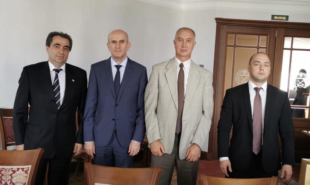 В Санкт -Петербурге обсуждены вопросы взаимодействия между РЮО и Ленинградской областью