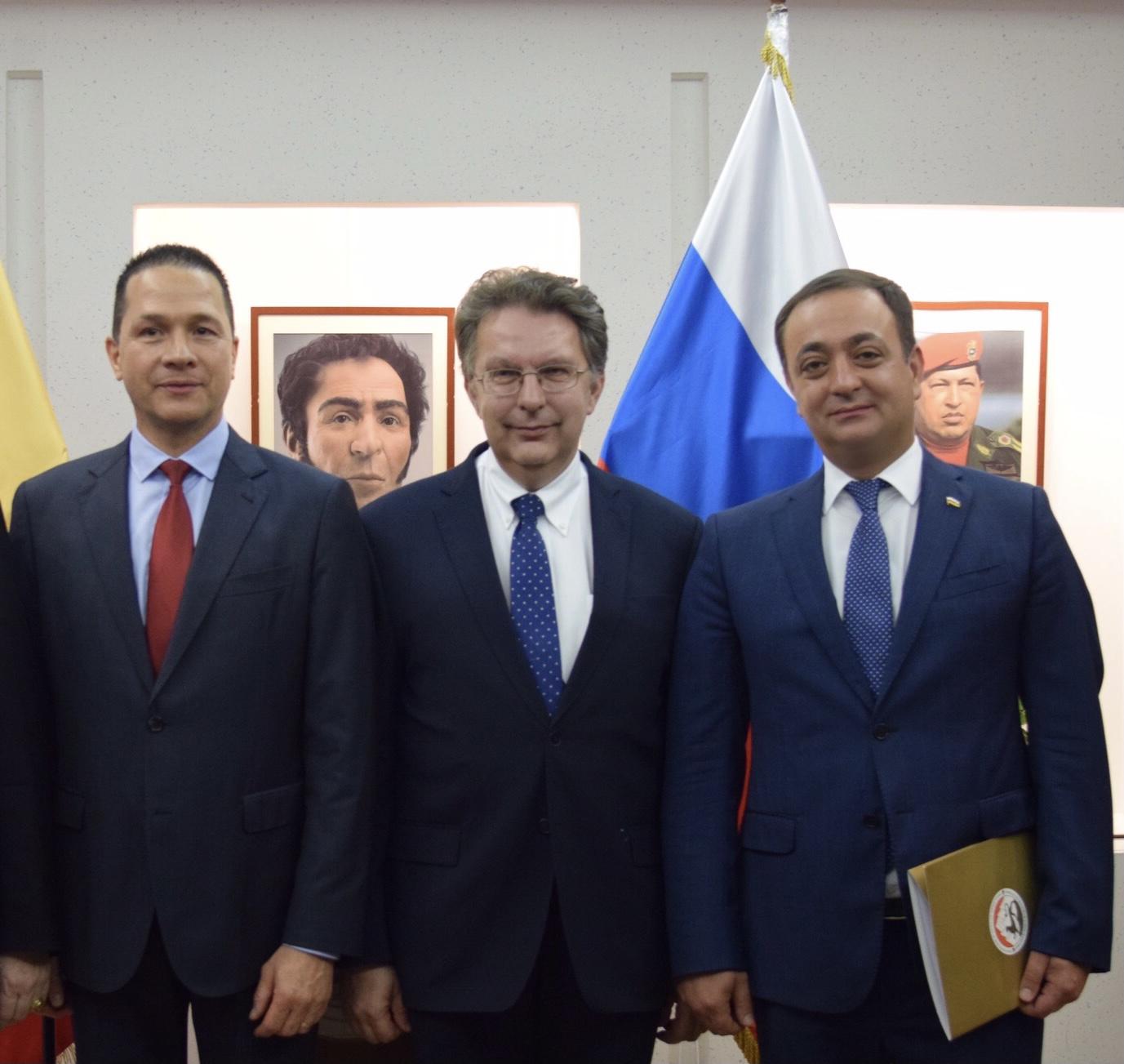 Знаур Гассиев направил поздравительное послание  Карлосу Тартосе